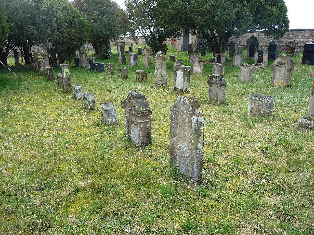 Friedhof-Otterstadt 03.JPG