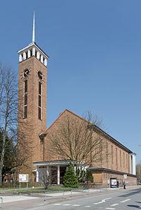 Frohebotschaftskirche HH Dulsberg von Süden.jpg