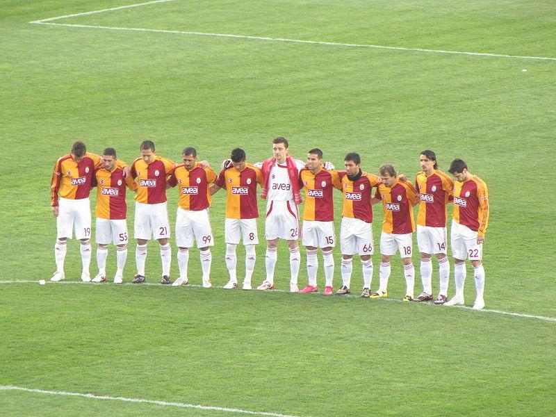 800px GalatasaraySKFootballTeam