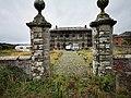 Gate posts to Calveley hall.jpg