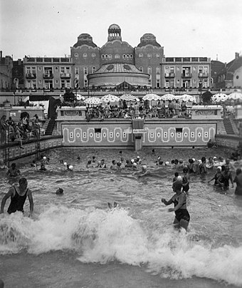 A 1936 photo of the wave pool, constructed 6 years prior at Gellert Baths in Budapest Gellert Gyogyfurdo, hullam medence. Fortepan 26787.jpg