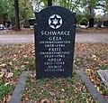 Geza Schwarcz -grave.jpg