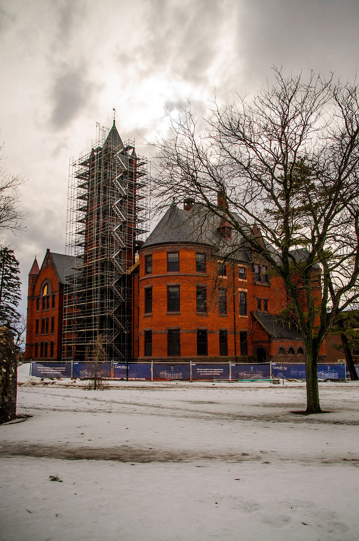 1200px-Glatfelter_Hall_Renovation_building.jpg