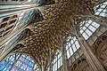 Gloucester cathedral (16300978397).jpg