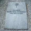 Grave of swedish professor karl-erik hogeman.jpg