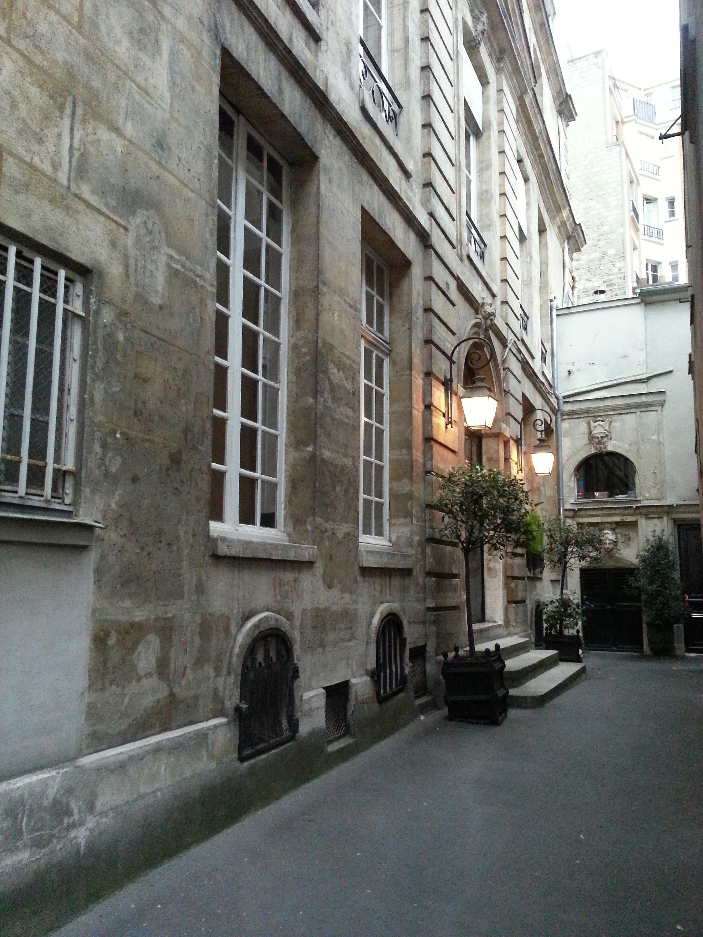 File:Hôtel de Turenne 2013-09-22 19-30-09.jpg - Wikimedia Commons