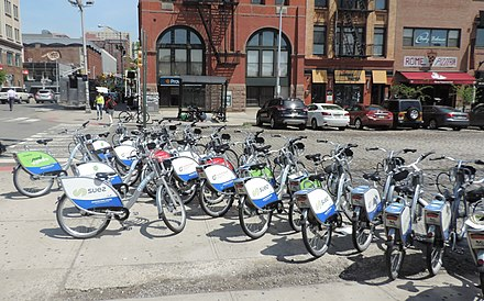 Hudson Bike Share HBS overcrowd at Hoboken Station jeh.JPG