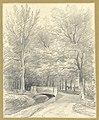 HUA-202560-Gezicht op een zandweg en een sloot met een stenen brug in het landschapspark van de buitenplaats Beukenburg aan de Beukenburgerlaan bij Groenekan gem.jpg