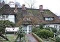 Hamburg-Blankenese, thatched-roof house at the foot of the Süllberg.jpg