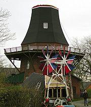 Die Haube der Moorseer Mühle wird erneuert