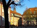 Heidelberg Altstadt Campus Universität Heidelberg Universitätsplatz mit Blick auf die Turmspitze der Heiliggeistkirche.JPG