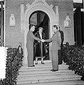 Hill ontvangt Generaal Gruenther op huis Raaphorst te Wassenaar, Bestanddeelnr 906-0371.jpg