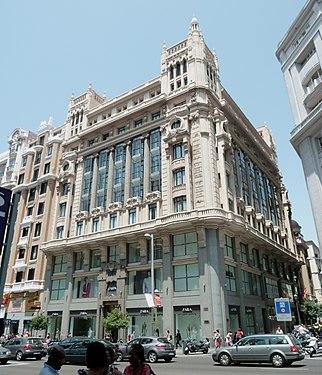 Hotel Tryp Cibeles (Gran Vía 34, Madrid) 03.jpg