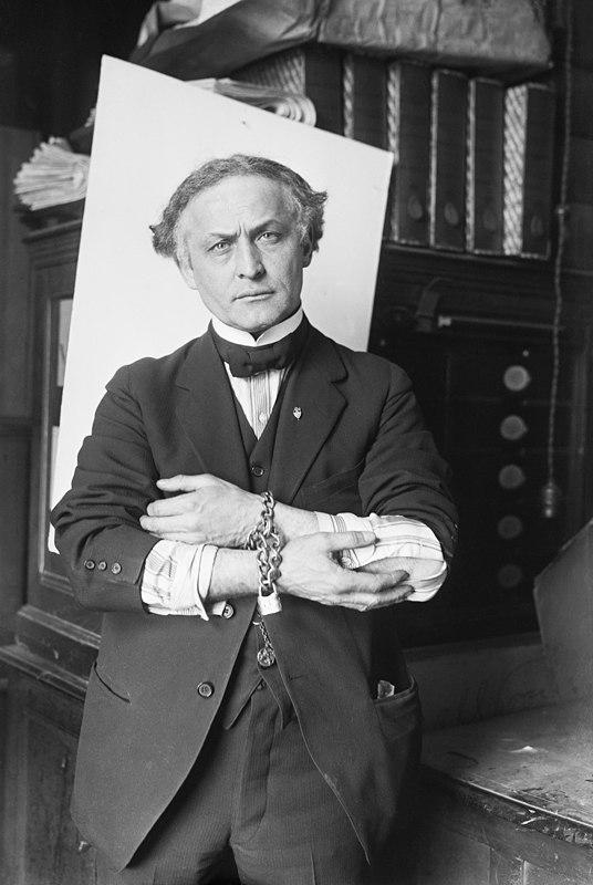 Houdini in Handcuffs, 1918