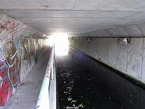 Huddersfield Broad Canal - Wakefield Road tunnel