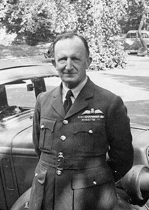 Humphrey de Verd Leigh - Wing Commander de Verd Leigh