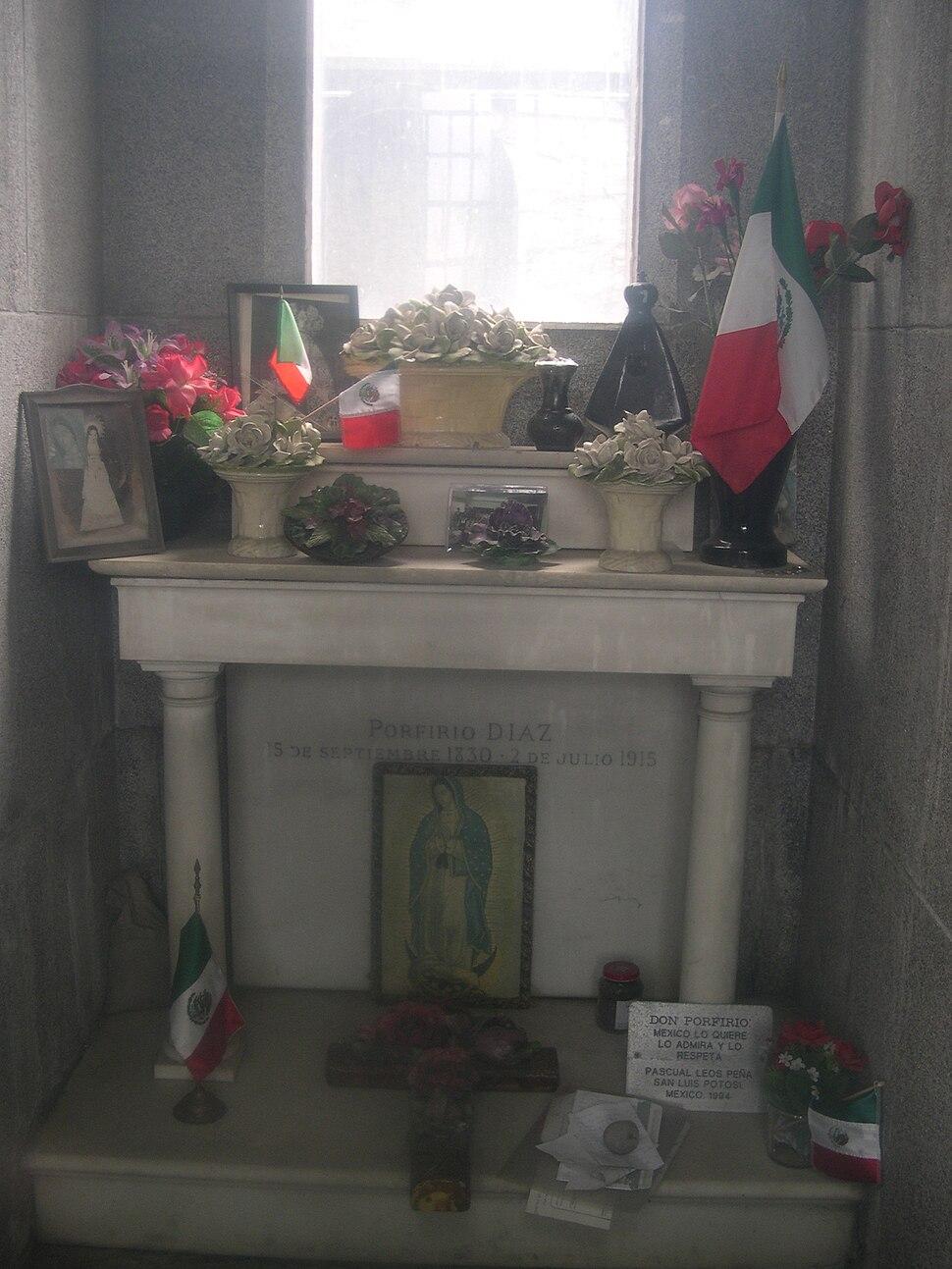 Int tomb PD