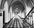 Interieur, abdijgedeelte, overzicht kloostergang - Berkel-Enschot - 20001152 - RCE.jpg