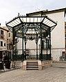 Isernia, piazza celestino V, gazebo 02.jpg