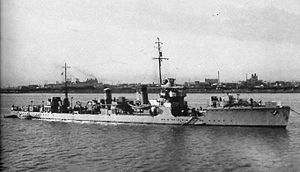 Japanese destroyer Kuri in 1937.jpg
