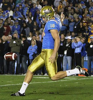 Jeff Locke (American football) - Locke punting at the Rose Bowl in 2010.