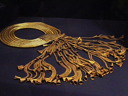 Gold and lapis lazuli collar of Psusennes I, Cairo Museum Jewellry of Psusennes I by John Campana.jpg