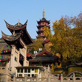 Jiming Temple - Image: Jiming Temple, Nanjing 20101125