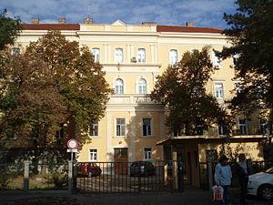У КБЦ Земун 1974. основан је први Хипербарични центар у Србији под руководством др Николе Деклеве