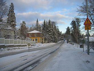 Kauniainen - A road in Kauniainen during winter