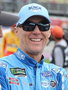 Kevin harvick (48070041952) (cropped).jpg