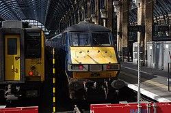 King's Cross railway station MMB 92 317345.jpg