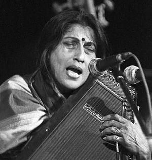 Kishori Amonkar - Vidushi Srimati Kishori Amankar performing raaga Lalit