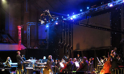 Kitaro playing with the orchestra in Tehran, 2014 Kitaro tehran 2014 concert (3).JPG
