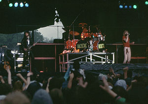 Glam metal - Kix performing in 1983