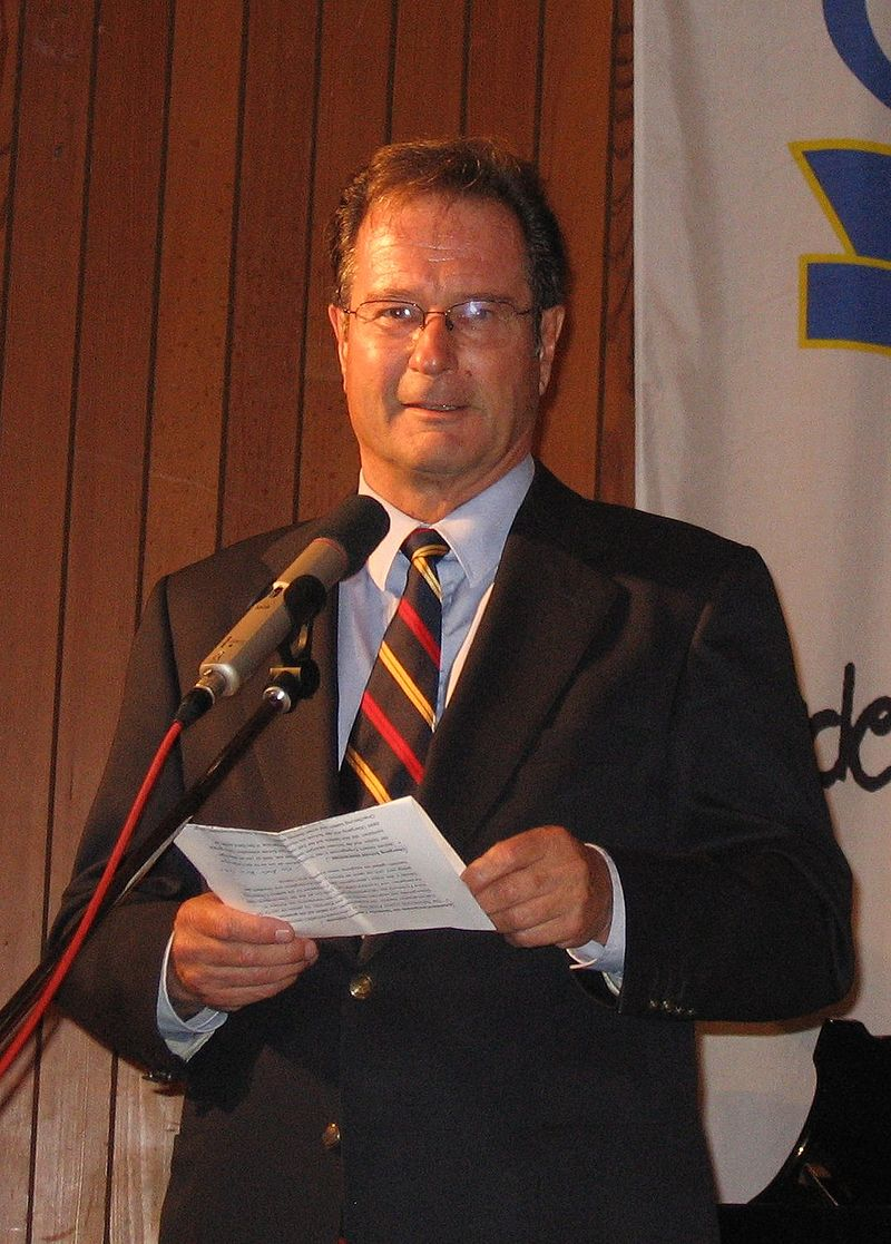 Klaus Kinkel CJD Koenigswinter 2005.jpg