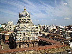 Koodal Azhagar temple - Image: Koodalazhagar (17)