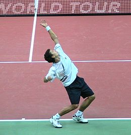 Kunitsyn serving 2009.jpg
