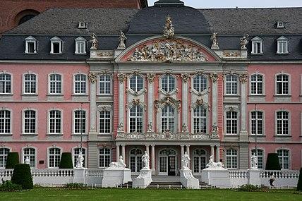 Kurfürstl Palais Trier (Sp 2009-2).JPG