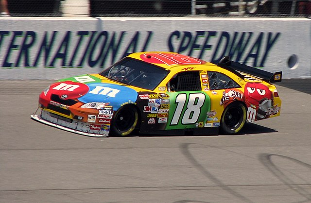 file kyle busch michigan wikimedia commons. Black Bedroom Furniture Sets. Home Design Ideas