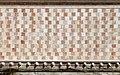L'aquila, fontana delle 99 cannelle, paramento policromo.jpg