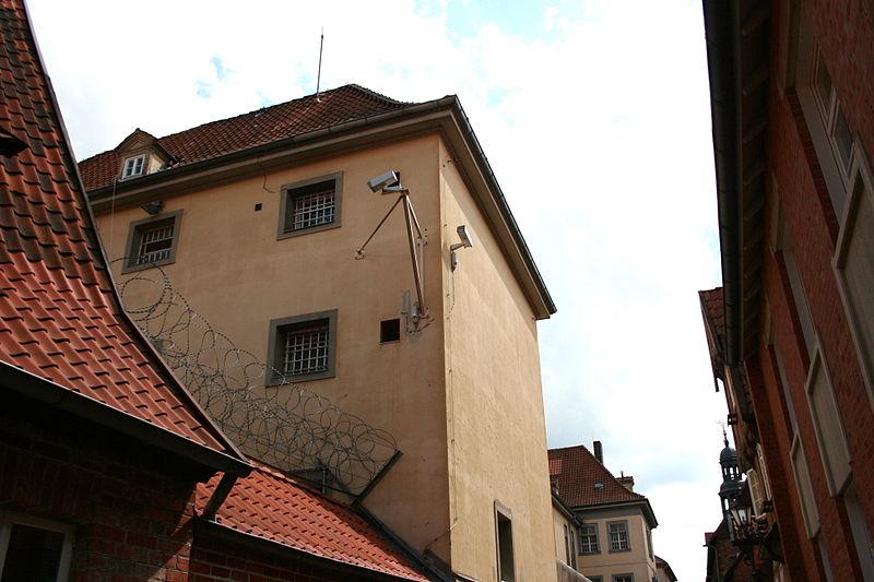 File:Lüneburg - Burmeisterstraße - Landgericht 05 ies.jpg