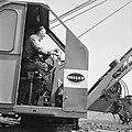 Landbouwmachines en werktuigen, werkzaamheden, draglines, wateregge, Bestanddeelnr 160-1133.jpg