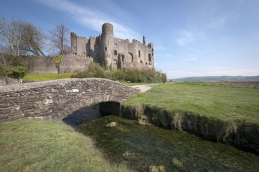 Laugharne Castle (17273349591)