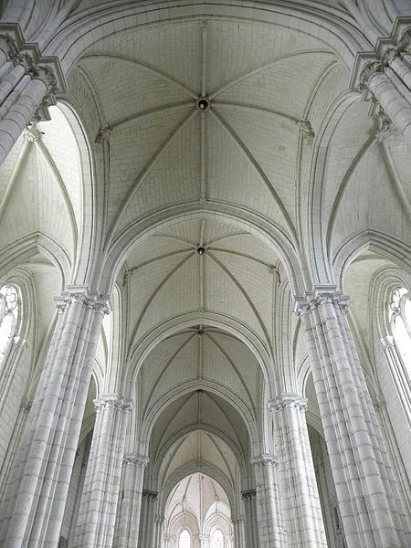 Voûtes de la collégiale du Puy-Notre-Dame (49).