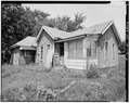 Left side from southeast - 832 Martin Luther King Jr. Parkway (Cottage), Des Moines, Polk County, IA HABS IOWA,77-DESMO,27-3.tif