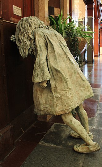 Gothenburg Central Station - Weeping girl no. 5