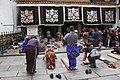 Lhasa-Jokhang-26-Pilger am Eingang-2014-gje.jpg