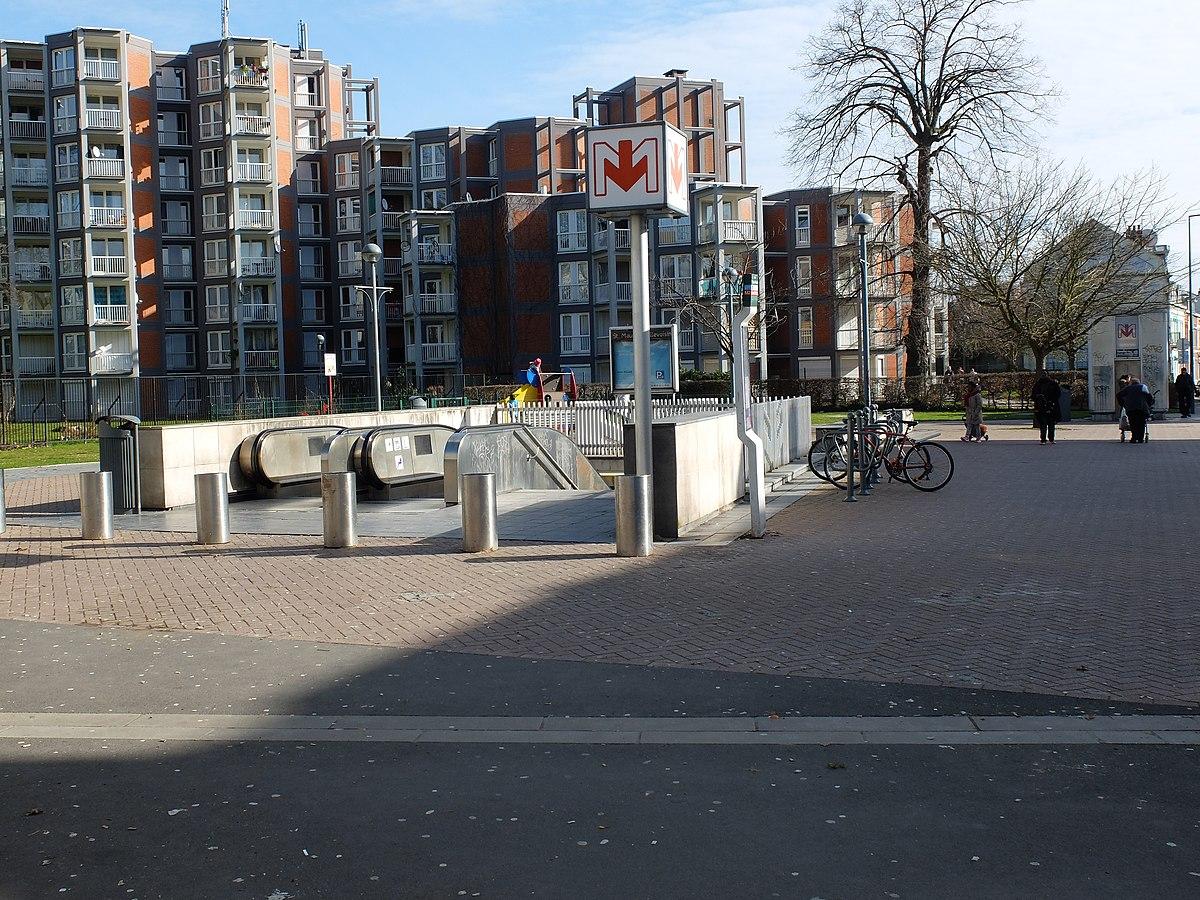 Saint maurice pellevoisin metrostation wikipedia - Station essence porte des postes lille ...