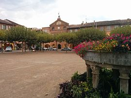 The main square in Lisle-sur-Tarn