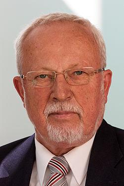 Lothar de Maizière 2011.jpg